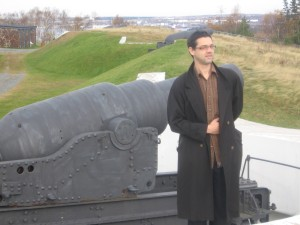 Ben impersonating Napoleon in front of a cannon